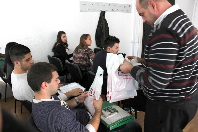 Predstavnici Wiener Städtische osiguranja uručili poklone studentima FPPS